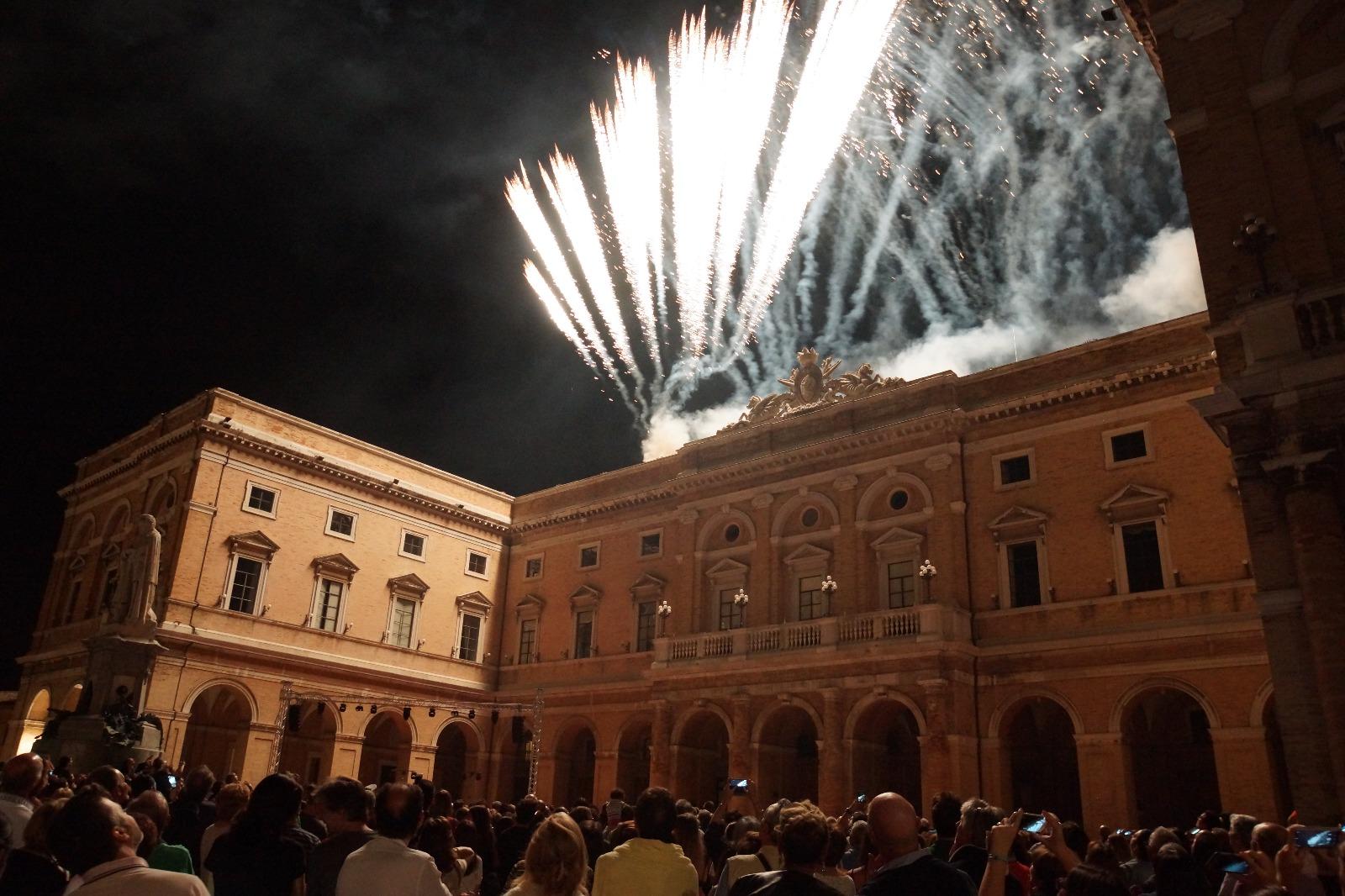 Recanati, visite in notturna alla Torre del Borgo e al Municipio