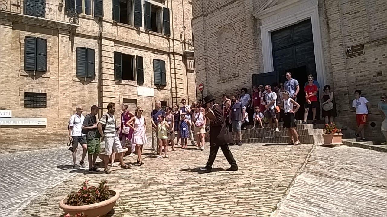 Boom di visitatori alla mostra di Marc Chagall a Recanati